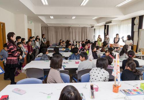 80人の子供達とパステルアート